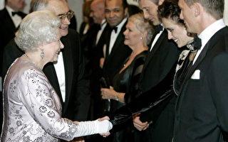 007新片伦敦首映 英女王出席
