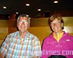 來自德國東南部巴伐利亞森林區的法官克拉尼斯‧蔡斯尼希(Kcouis Zasnig)先生和他的夫人。 (攝影:石銘/大紀元)