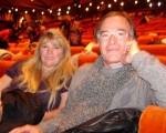 圖:工程師吉‧杜蓬(Guy Dupont)和他的朋友瑪麗翁(Marion)女士。(攝影:王弘/大紀元)