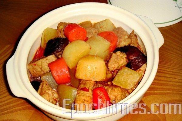 【采秀私房菜】雙蘿蔔燉肉