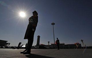 """""""十九大""""以来,只有身为政治局委员的中央政策研究室主任王沪宁缺席所属代表团会议,其行踪成谜。(Getty Images)"""