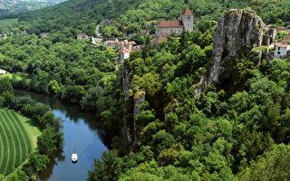 組圖:法國懸崖上典雅小村