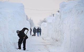 東歐多國雪深4.5米 覆蓋電廠成「冰雕」