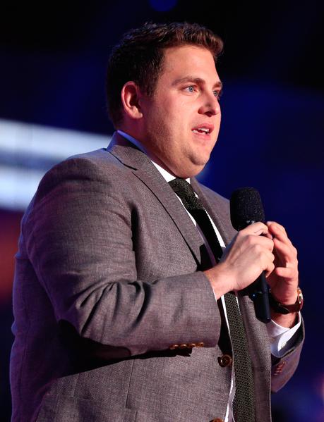 2014年4月13日,入围奥斯卡男配角的乔纳•希尔再凭《华尔街之狼》获MTV电影奖最佳喜剧表演奖。(Christopher Polk/Getty Images for MTV)
