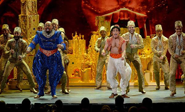 音乐剧《阿拉丁》在表演。(Theo Wargo/Getty Images for Tony Awards Productions)
