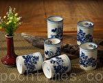 传统的青花瓷,在现代依旧熠熠生辉。(庄孟翰/大纪元)