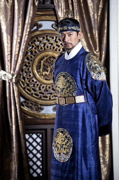 朱镇模饰演的高丽王王裕。(华视提供)