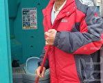 曾流落街頭的林子卿,在台灣燈會期間成功籌組街友清潔大軍。(黃玉燕/大紀元)