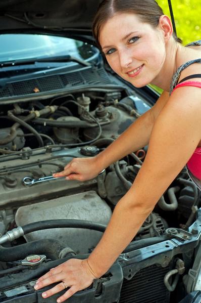 汽车需要保养和呵护,而不良的驾车习惯也会影响汽车状况。(Fotolia)