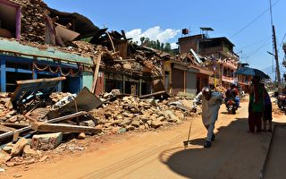 尼泊爾地震過9天7366人死 偏遠區待救援