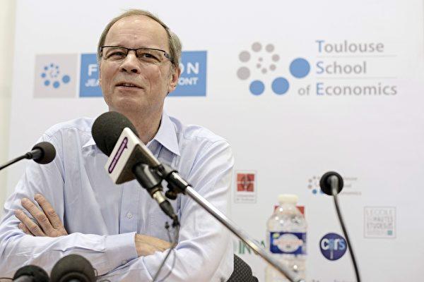 图为经济学家梯若尔。(REMY GABALDA/AFP/Getty Images)