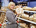 大量购买面包的美国家庭今年每周都可望省不少钱。(fotolia)