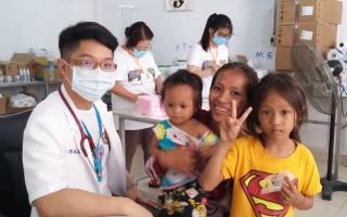 我们给予一点点 柬埔寨小朋友可以快乐很久
