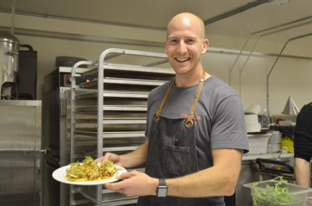 「加拿大顶级厨师」大赛银奖的温哥华厨师Trevor Bird。(陈怡然/大纪元)