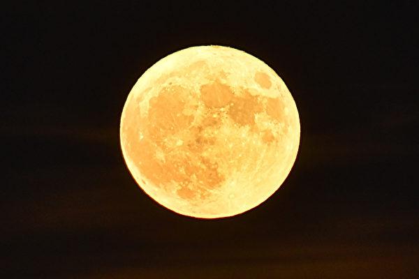組圖:全球各地超級月亮 美得令人窒息