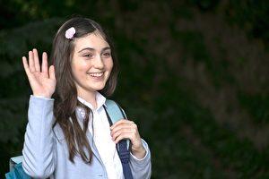 由古典音樂跨界演出《我是妳的眼》的美少女亞莉克絲薇洛特,打算先告別演戲、專心學業。(安可電影提供)。