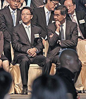 """张晓明(左)及梁振英(右)被《成报》点名是""""乱港四人帮""""其中两人。(大纪元资料图片)"""
