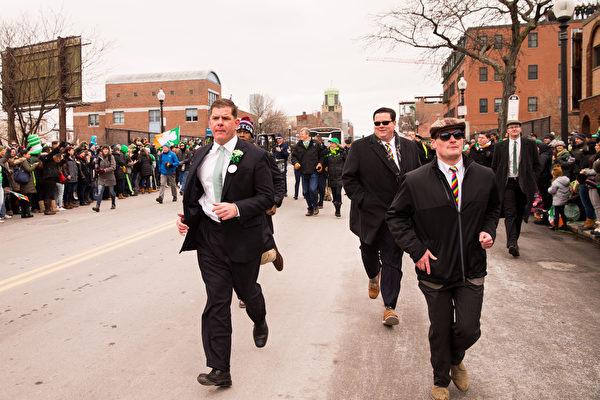 2017年3月19日,波士顿圣派垂克游行,波士顿市长马丁•华殊。(戴兵/大纪元)