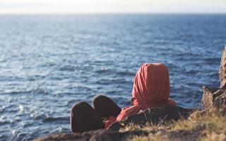 真正的寂寞不是因为独处,而是感觉到这世界似乎没有人能理解你。(Shutterstock)