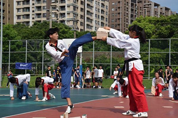 跆拳道表演。(新竹縣警察局提供)