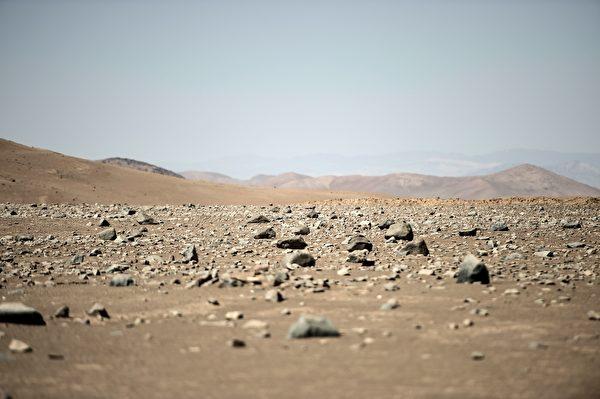 这是阿他加马沙漠寸草不生的样子。(Martin BERNETTI / AFP)