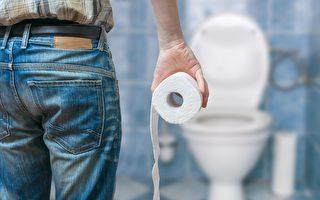 为什么早上起床急着上厕所,却尿不出来?(Shutterstock)