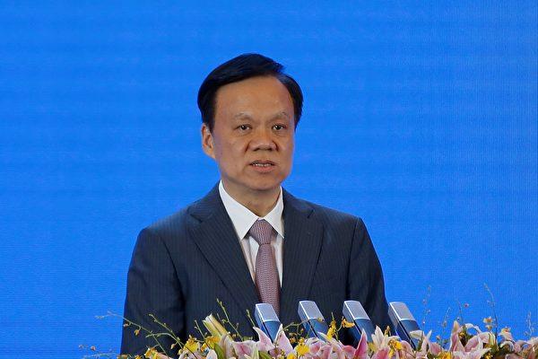 台媒说,习近平的旧部陈敏尔(左)可能跻身中共十九届政治局常委。( Lintao Zhang/Getty Images)