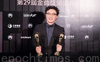 陈奕迅唱功强 歌曲诠释细腻 大受评审青睐