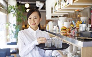 最低时薪上调 殃及暑期工时减少