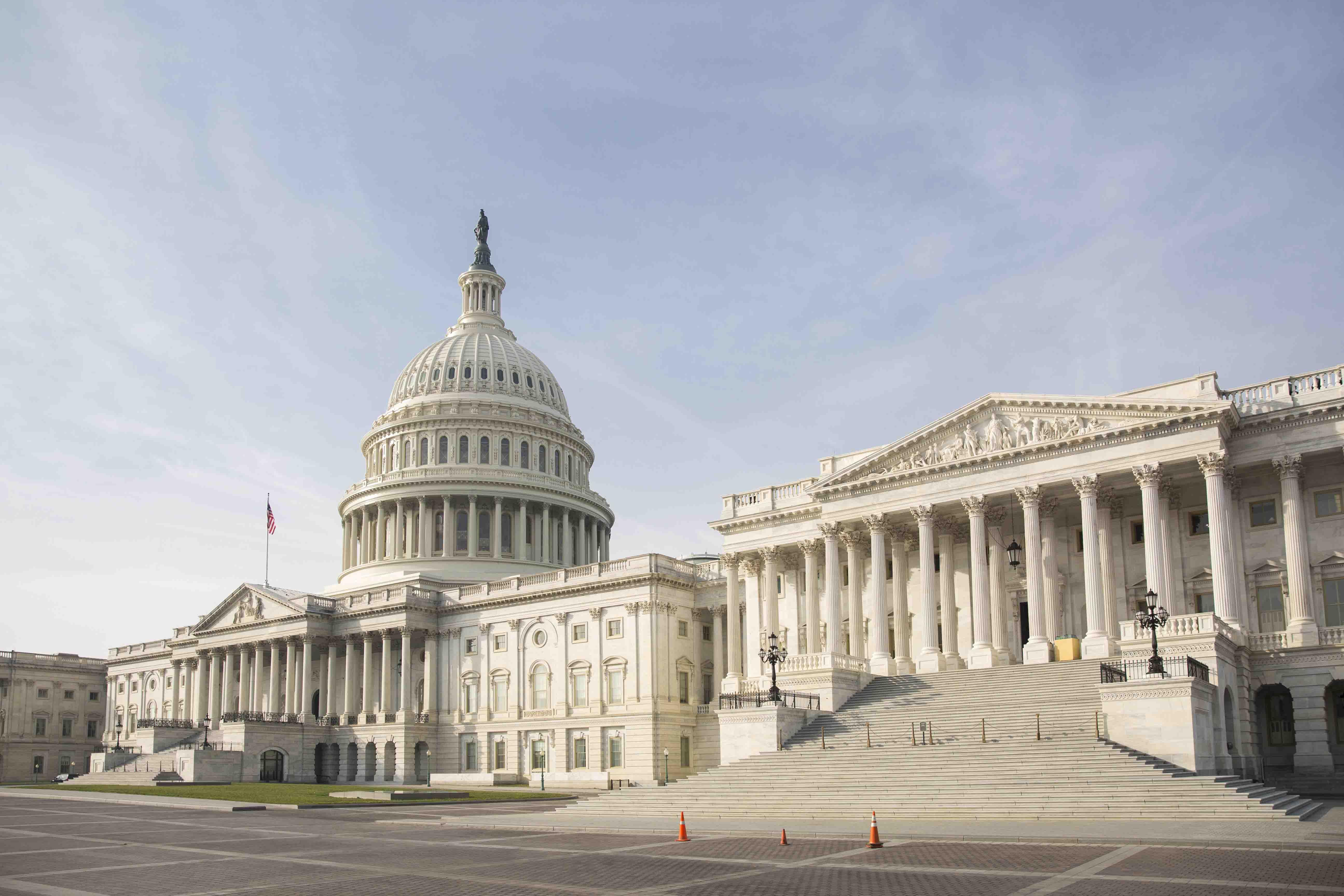 眾院通過含築牆費支出法案 特朗普向參院喊話