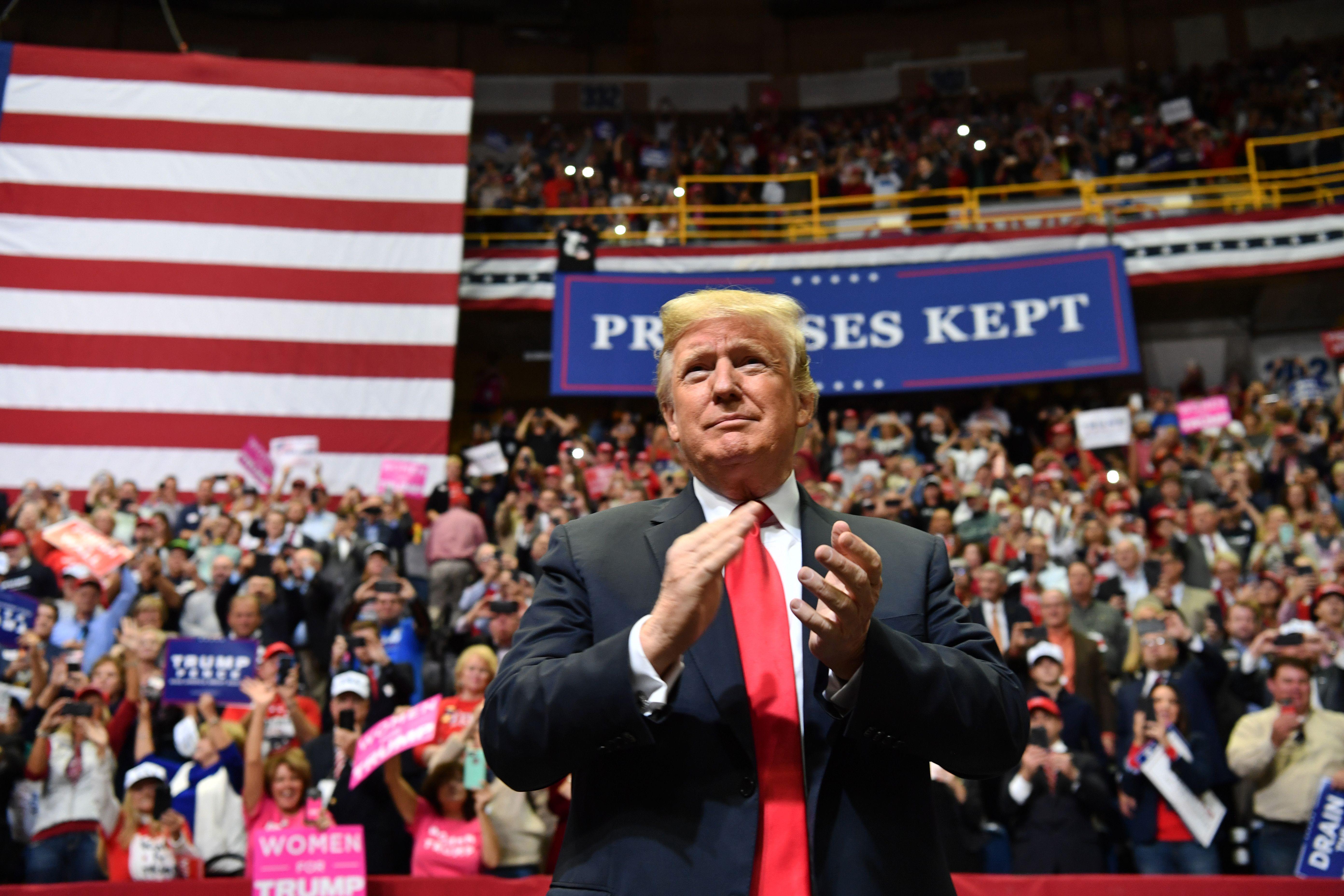雖然不能全然說共和黨贏得了這一次美國的期中選舉,但特朗普再一次跌破眾多主流媒體的眼鏡,打了場堪稱成功的選戰。 (NICHOLAS KAMM/AFP/Getty Images)