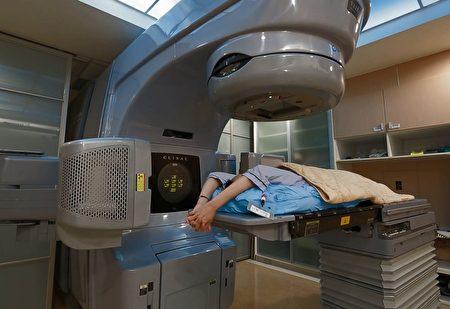 食道癌治疗以化放疗及开刀为主,大千引进专业设备,搭配长庚医师合作,为病人提供最适切的医疗服务。