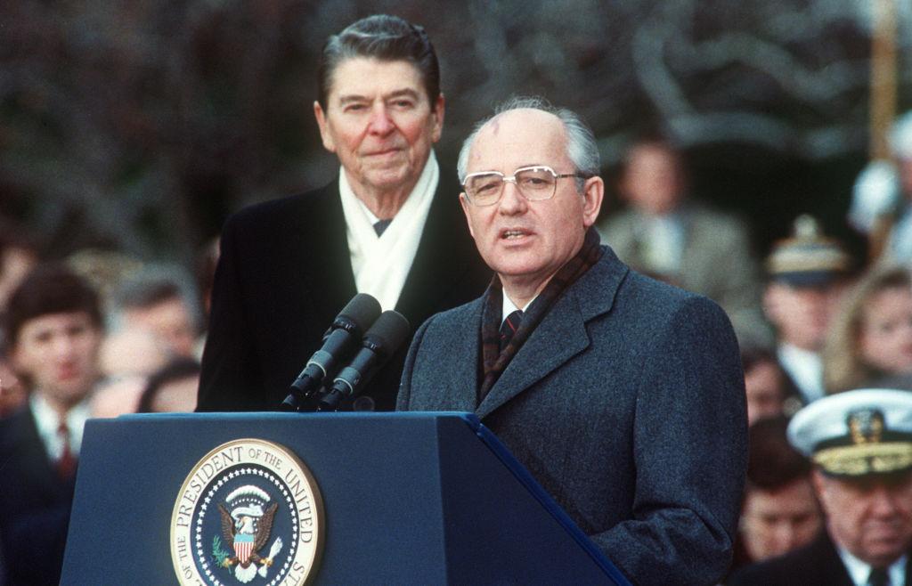 傳奇總統列根(7): 喚醒蘇聯領導人