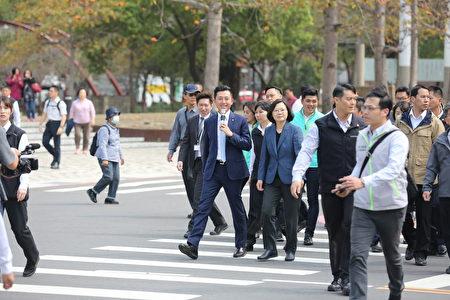 蔡英文总统访竹市护城河