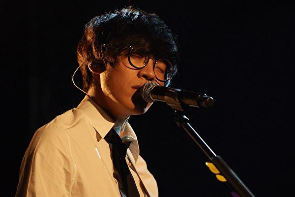 卢广仲新歌改变唱法 唱出爱情的遗憾