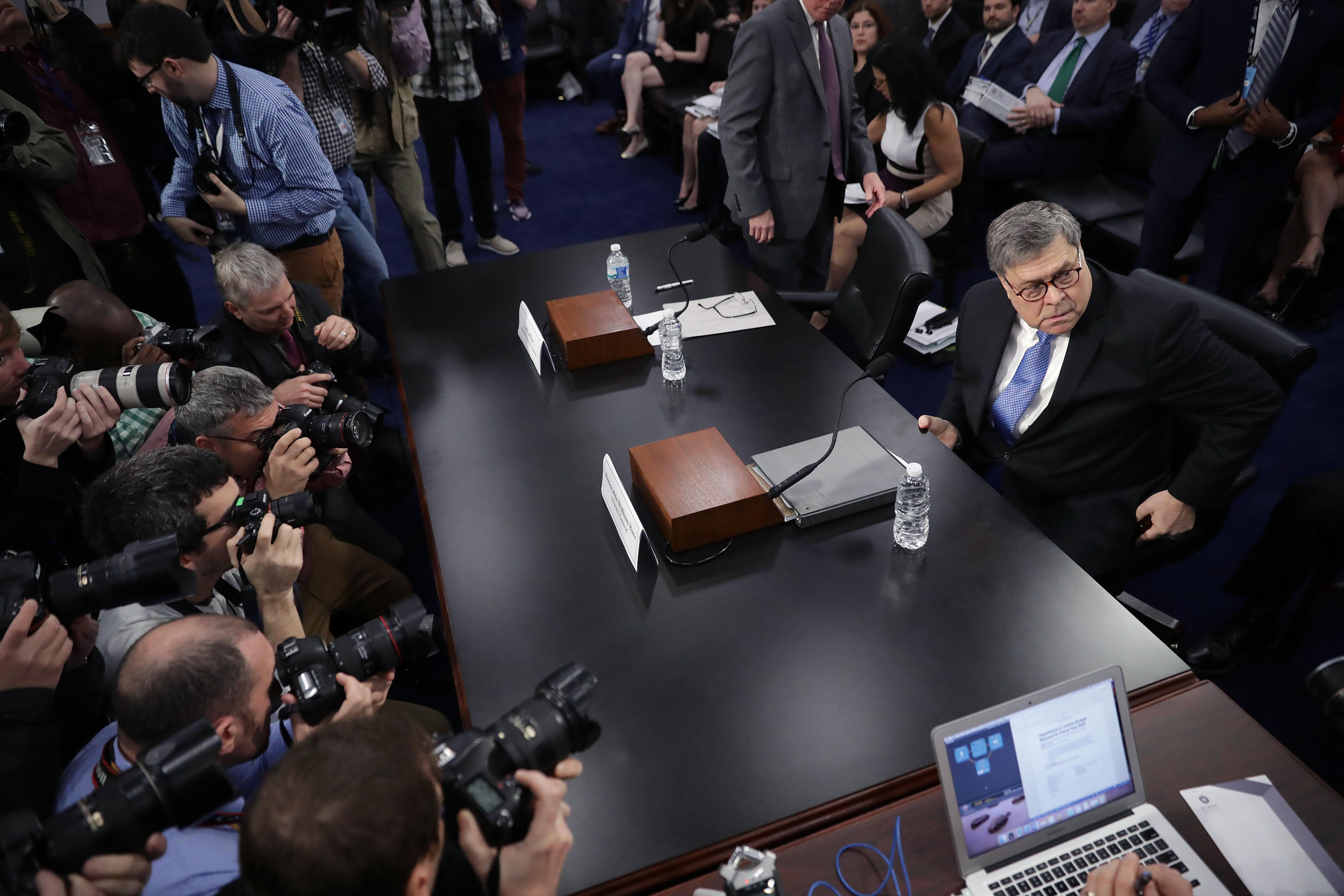 穆勒報告後首次聽證 巴爾:已開始調查FBI