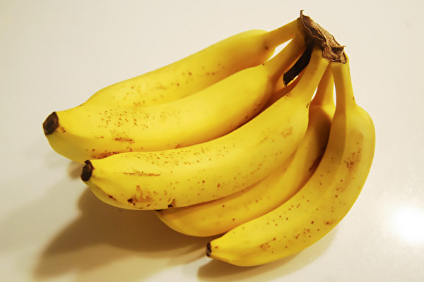 某些水果和蔬菜品種,在冰箱的寒冷或潮濕環境中會受到不良影響。(Shutterstock)