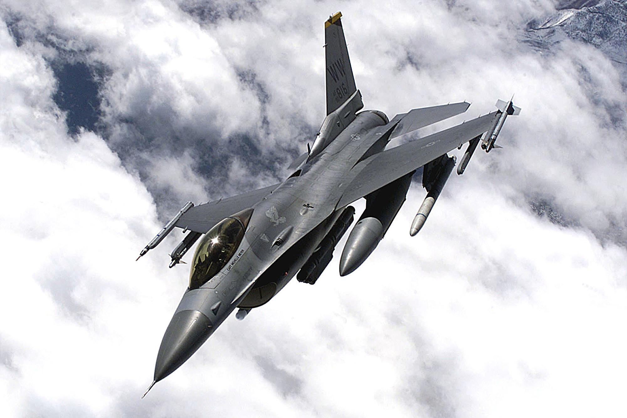 楊寧:美國售台戰機與擬買格陵蘭的用意