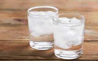喝太多寒凉饮料,容易导致体内寒湿,中医推荐4种降温消暑饮品。(Shutterstock)
