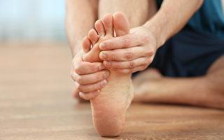 脚有症状别轻忽!常见足部疾病1篇看懂