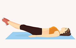 核心运动能锻炼背部与腹部的核心肌群,帮助消除小腹赘肉。(Shutterstock)