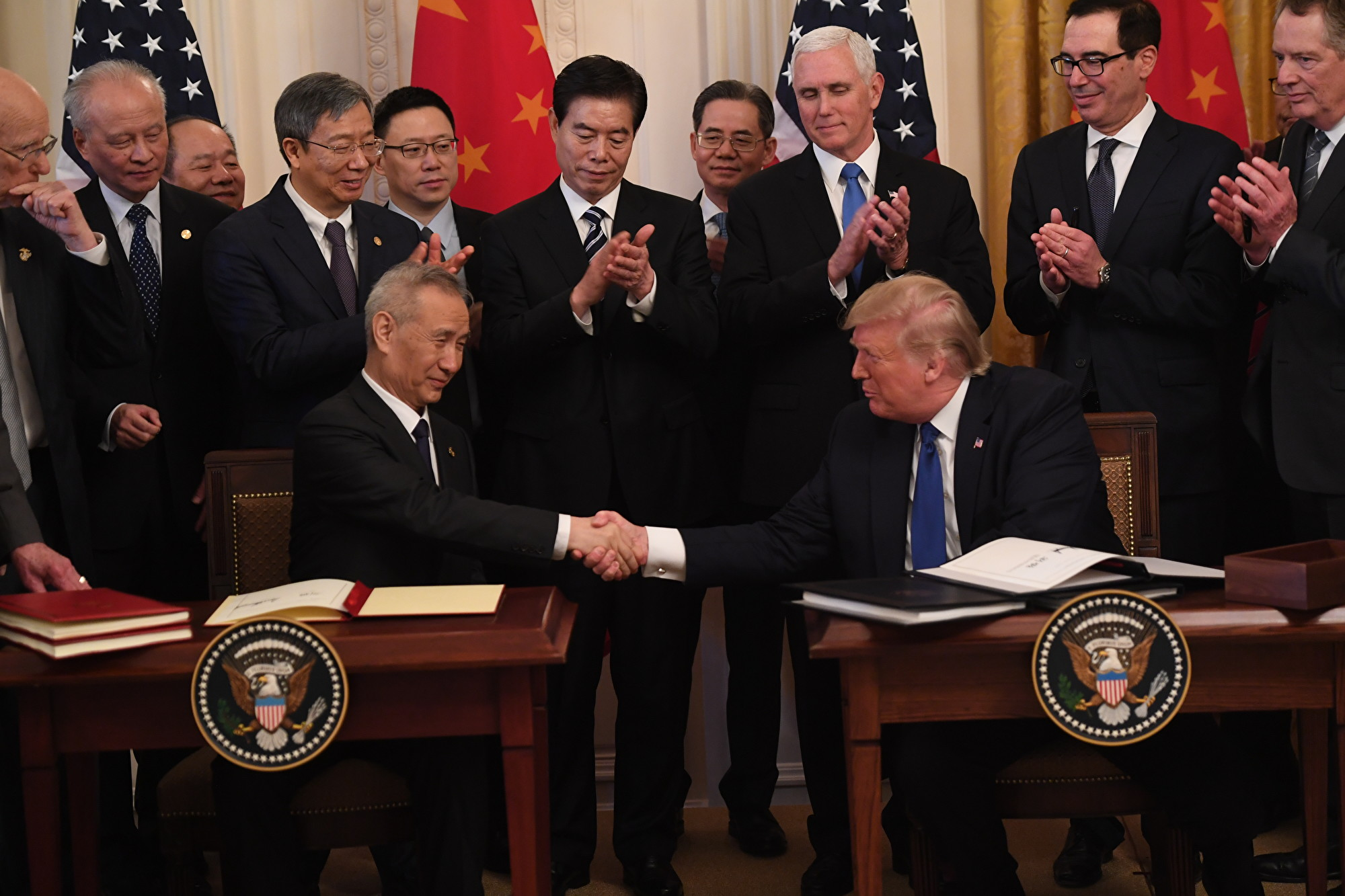 【新聞看點】特朗普數落中共貿易不公 劉鶴尷尬
