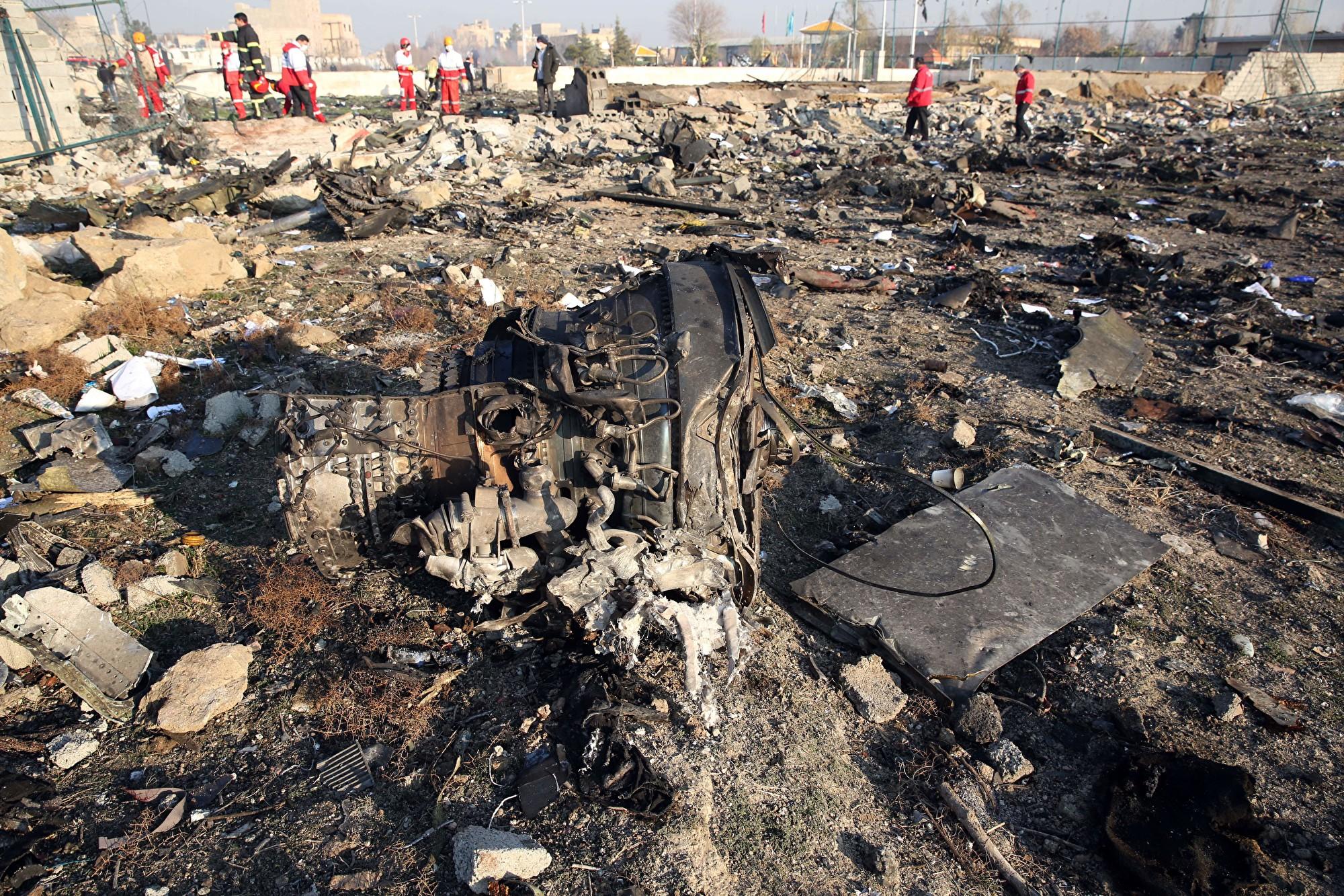 組圖:烏克蘭客機伊朗墜毀 現場成一片廢墟