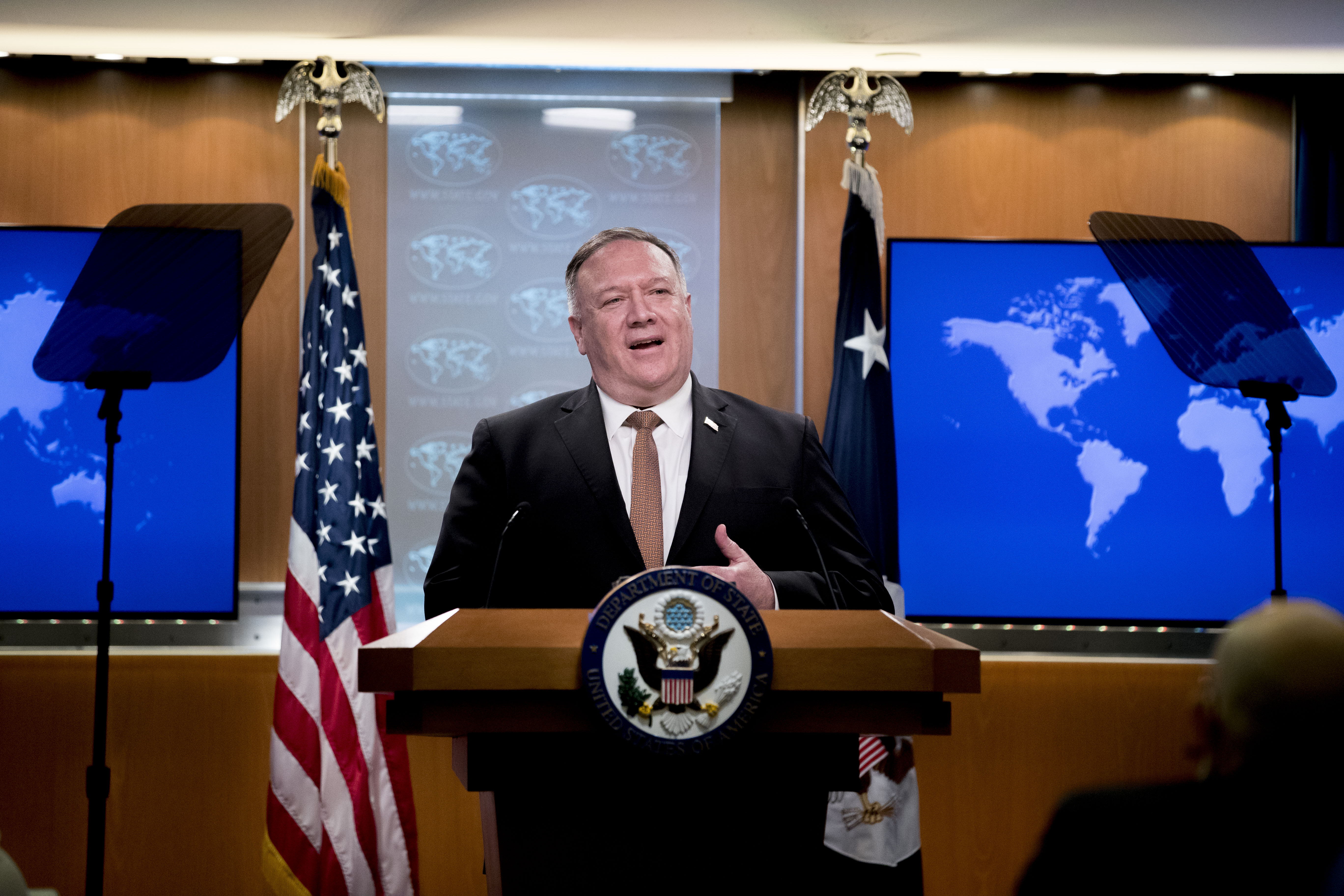 美國國務卿和國務院日前加緊曝光中共。圖為國務卿蓬佩奧。(ANDREW HARNIK/POOL/AFP via Getty Images)