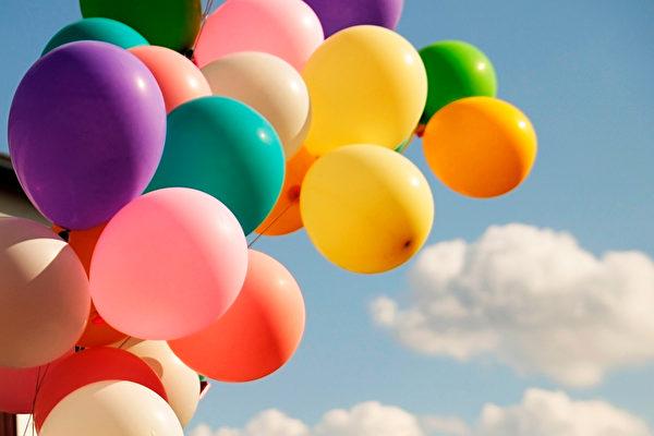 準備10年 美魔術師擬靠一束氣球飛越紐約