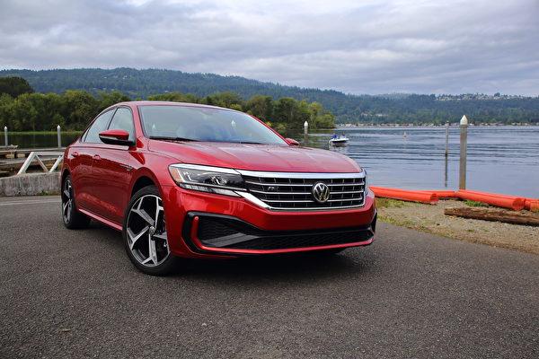 車評:新舊之間 2020 Volkswagen Passat R-Line