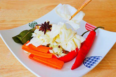 【美食天堂】圆白菜泡菜的简易做法 清爽脆口!