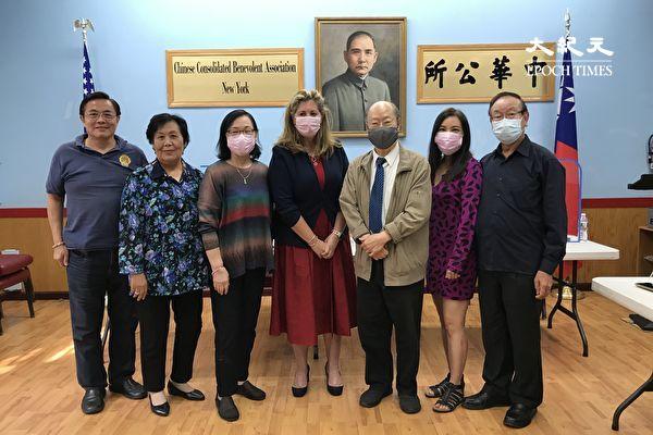 曼哈顿检察官候选人访问中华公所
