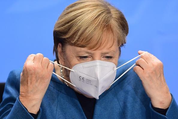 德专家分析 默克尔所戴口罩或是中国冒牌货