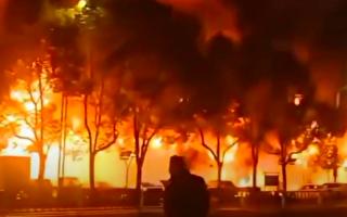 常州商铺着火致5死2伤 疑人为纵火所致